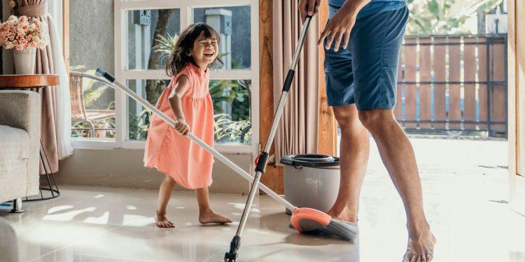 Coronavirus e famiglie a casa con figli: i consigli per organizzare spazi e attività