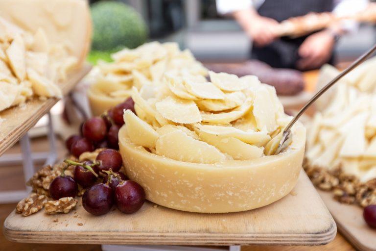 Dieta in menopausa: come tenere a bada il peso e cosa mangiare