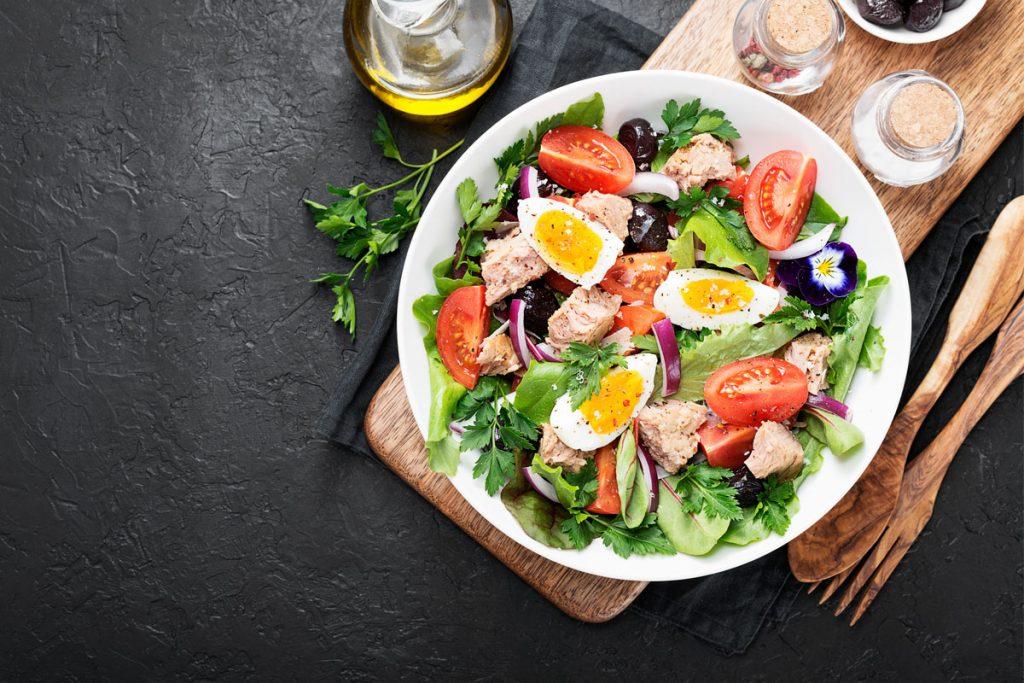 L'insalatona nella dieta Melarossa: 6 idee per trasformarla in un piatto più sfizioso