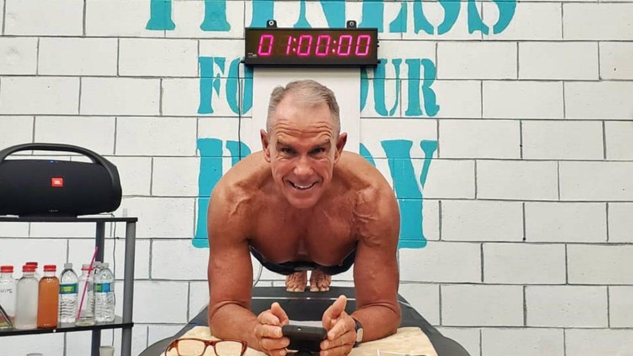 Plank Record Mondiale 62enne In Posizione Per Più Di 8 Ore Melaross
