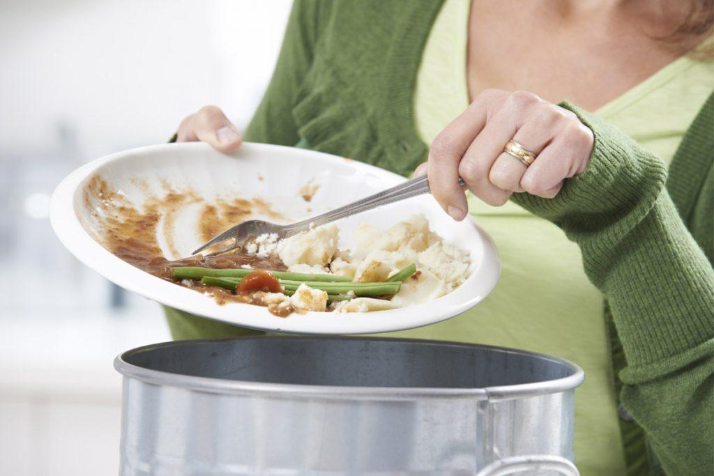 Sprechi alimentari: i consigli del nutrizionista per evitarli