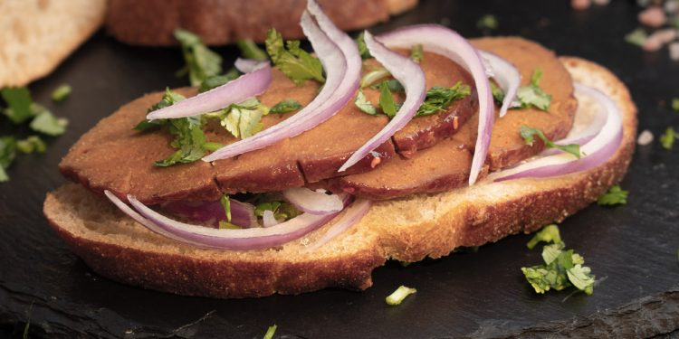 Affettato vegetale: cos'è, proprietà, come consumarlo. I consigli del nutrizionista