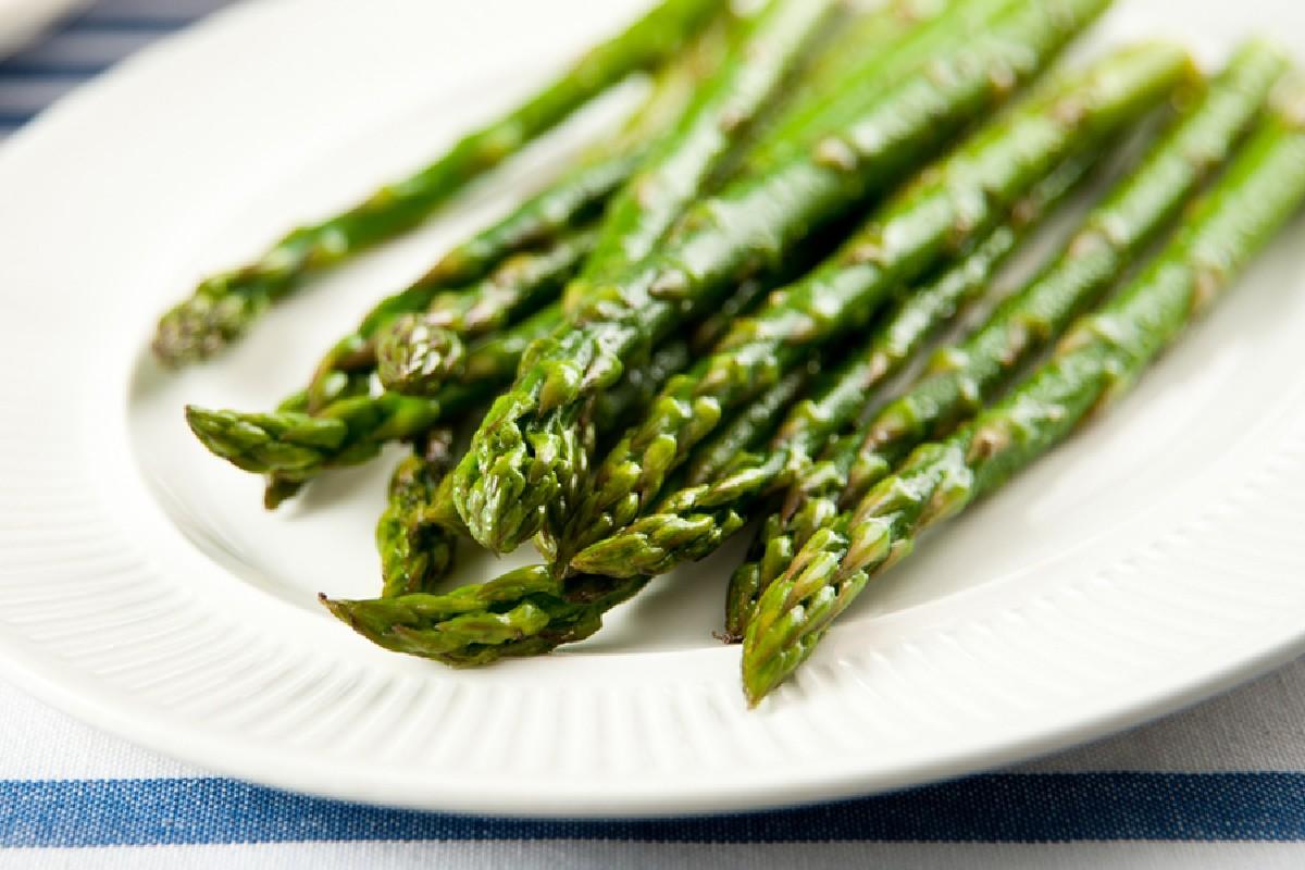 asparagi burro e parmigiano