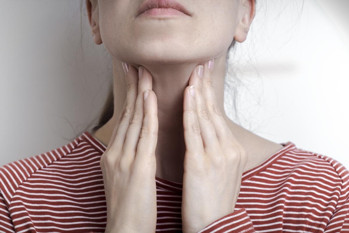 mononucleosi: cos'è, cause, sintomi, cure e prevenzione