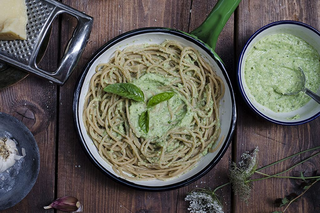 Pasta al pesto di zucchine e ricotta