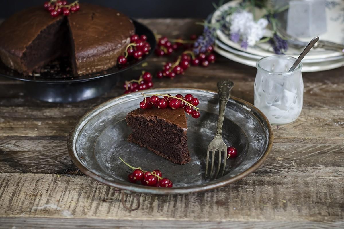 Ricette con cioccolato: orta light al cacao e yogurt
