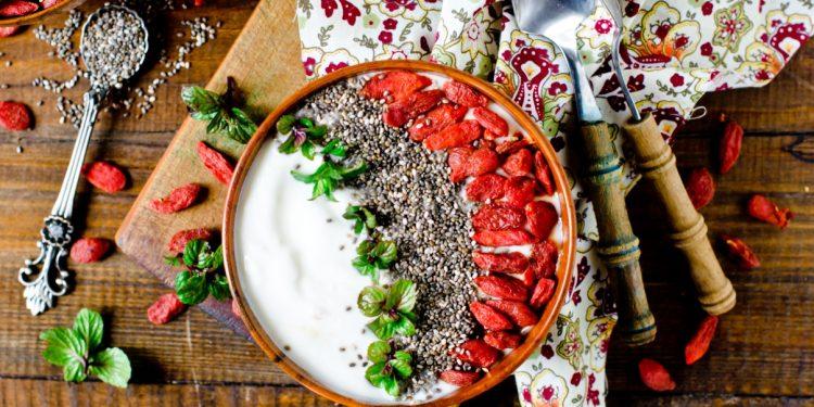 bacche di goji: cosa sono, proprietà, benefici e ricette