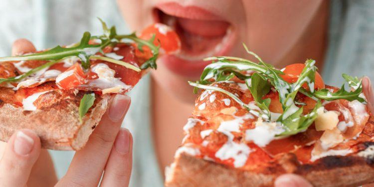 Binge eating disorder: identificata una molecola che potrebbe tenere sotto controllo questo disturbo alimentare