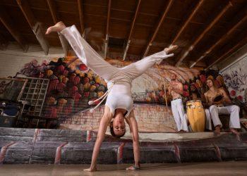 capoeira: cos'è, storia, musica e danza, roda, allenamento e tecniche, benefici