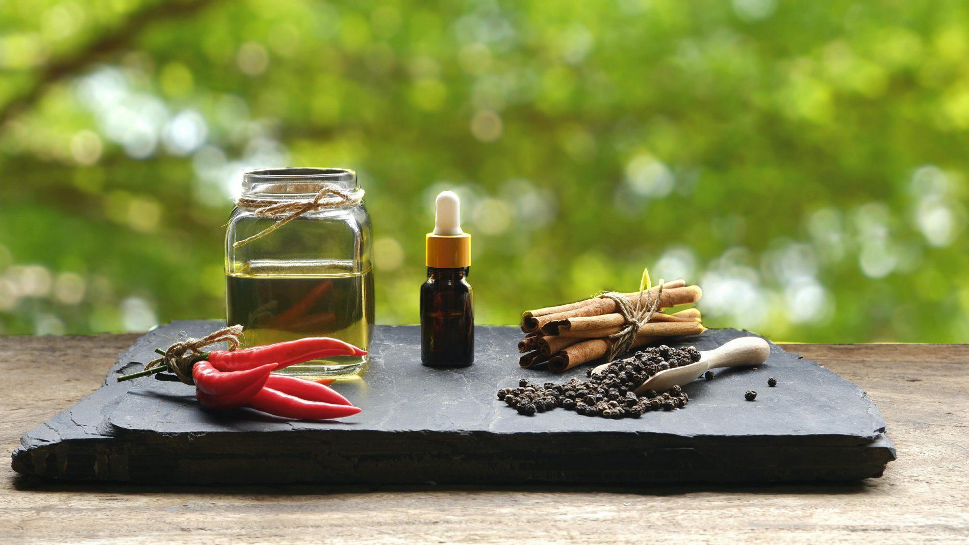 olio per massaggio al peperoncino