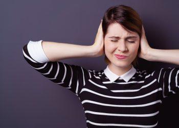 Acufene: cos'è, cause, sintomi e cure