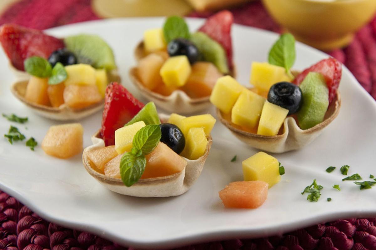 cestini di pancarrè con la frutta