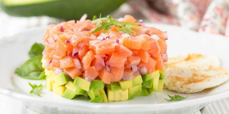 5 cibi che è meglio mangiare crudi per godere dei loro nutrienti