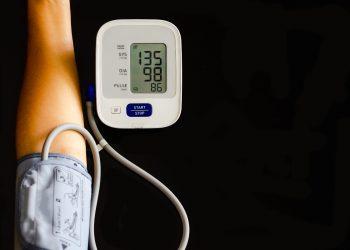 ipertensione: cos'è, valori, cause, sintomi e cura