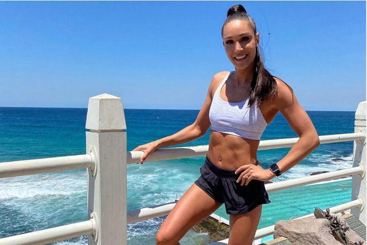 Kayla Itsines: programma, benefici e critiche e bikini workout di Melarossa