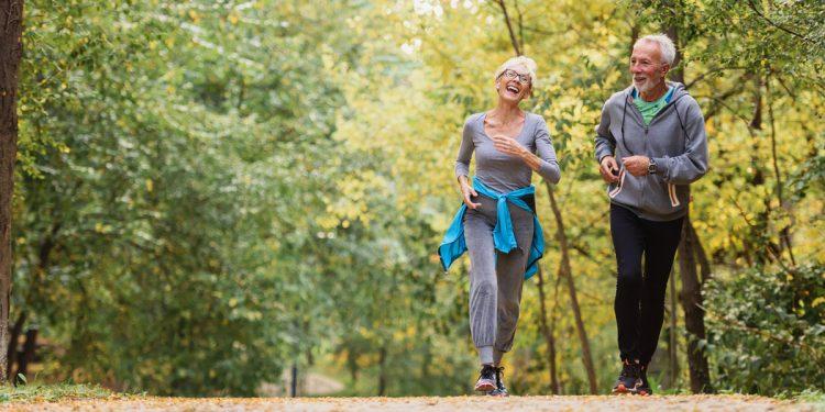 Tumori: 30 minuti di movimento in più riducono il rischio di morte
