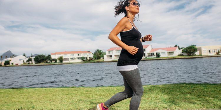 L'esercizio fisico in gravidanza aumenta i benefici del latte materno per il bambino: ridotto rischio di obesità, diabete e malattie cardiache