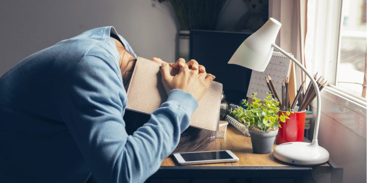 Lavori troppo? Hai più probabilità di avere un infarto