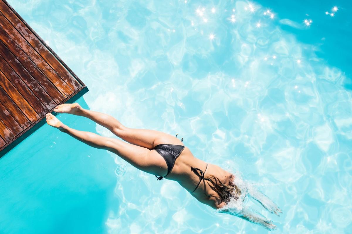 errori da evitare nel nuoto: non buttarti in acqua dopo aver mangiato