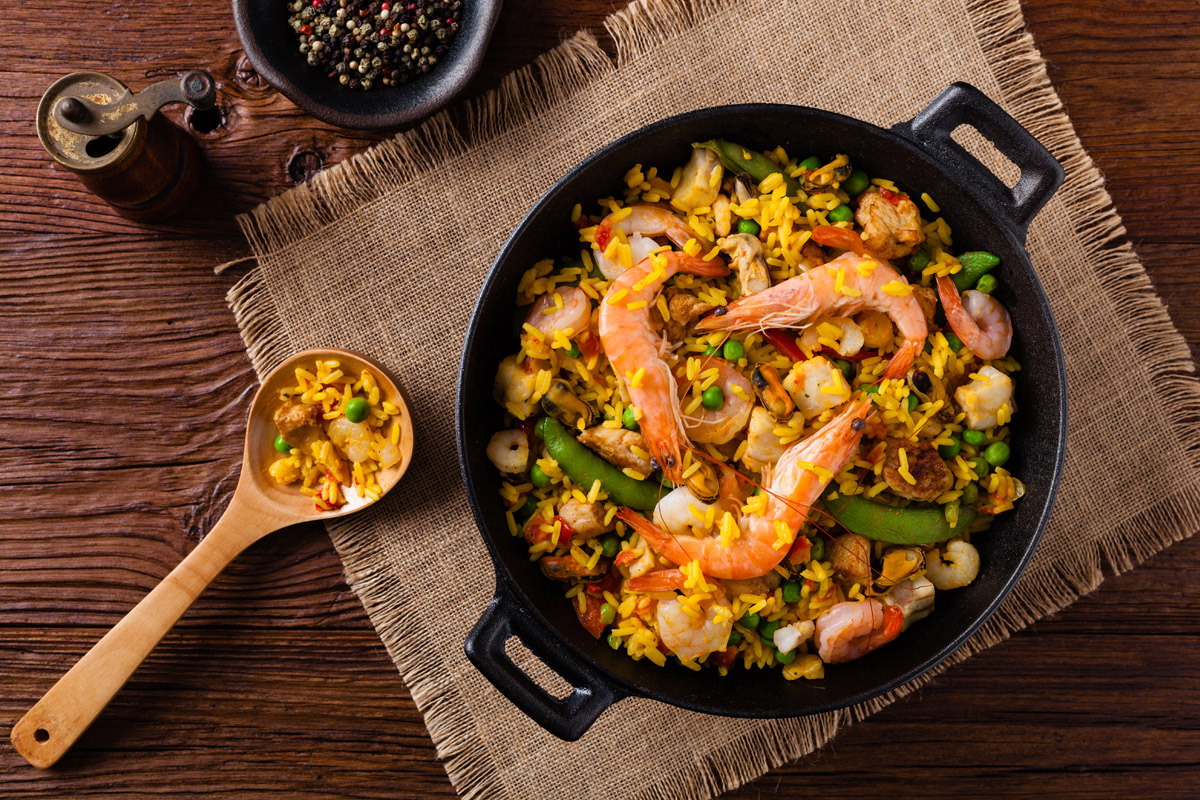 Paella: storia, origini, varianti e ricette da provare