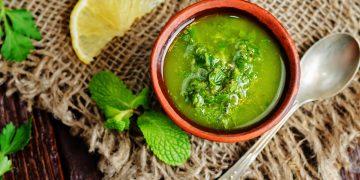 Pesto alla menta: il condimento fresco da provare quest'estate