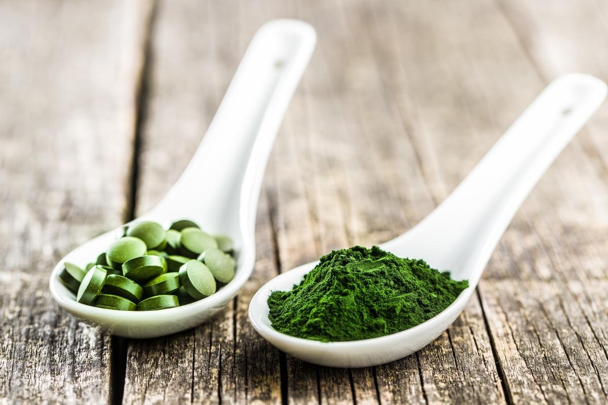 alga spirulina e clorella: tutti benefici e differenze
