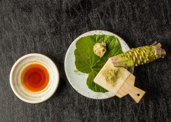 wasabi: cos'è, valori nutrizionali e benefici della salsa verde giapponese