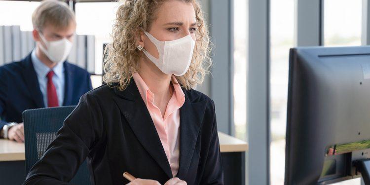 Coronavirus, donne meno colpite