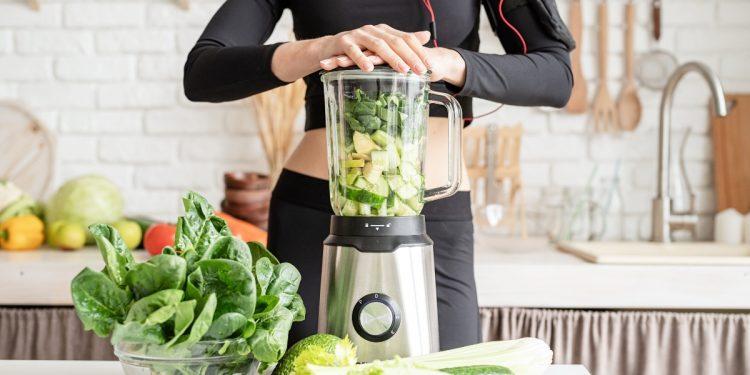 preparare uno smoothie in casa, consigli, benefici e le migliori ricette
