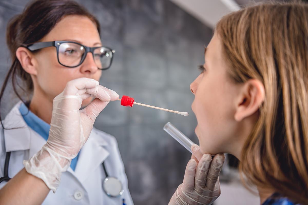 faringite batterica o virale: come riconoscere
