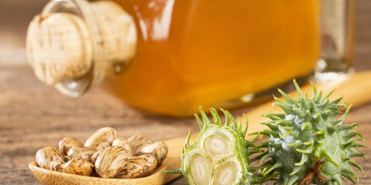 olio di ricino: cos'è, benefici, usi e ricette di bellezza