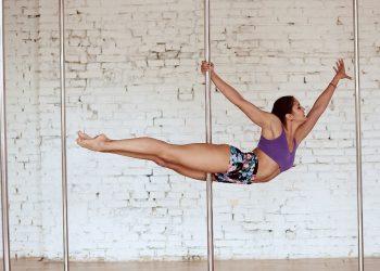 pole dance: cos'è, i diversi stili, benefici per il corpo e la mente, com'è nato