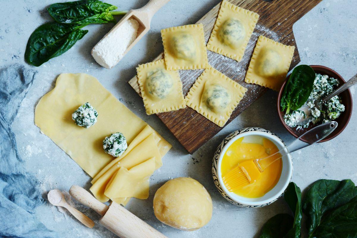 Ravioli ricotta e spinaci: procedimento