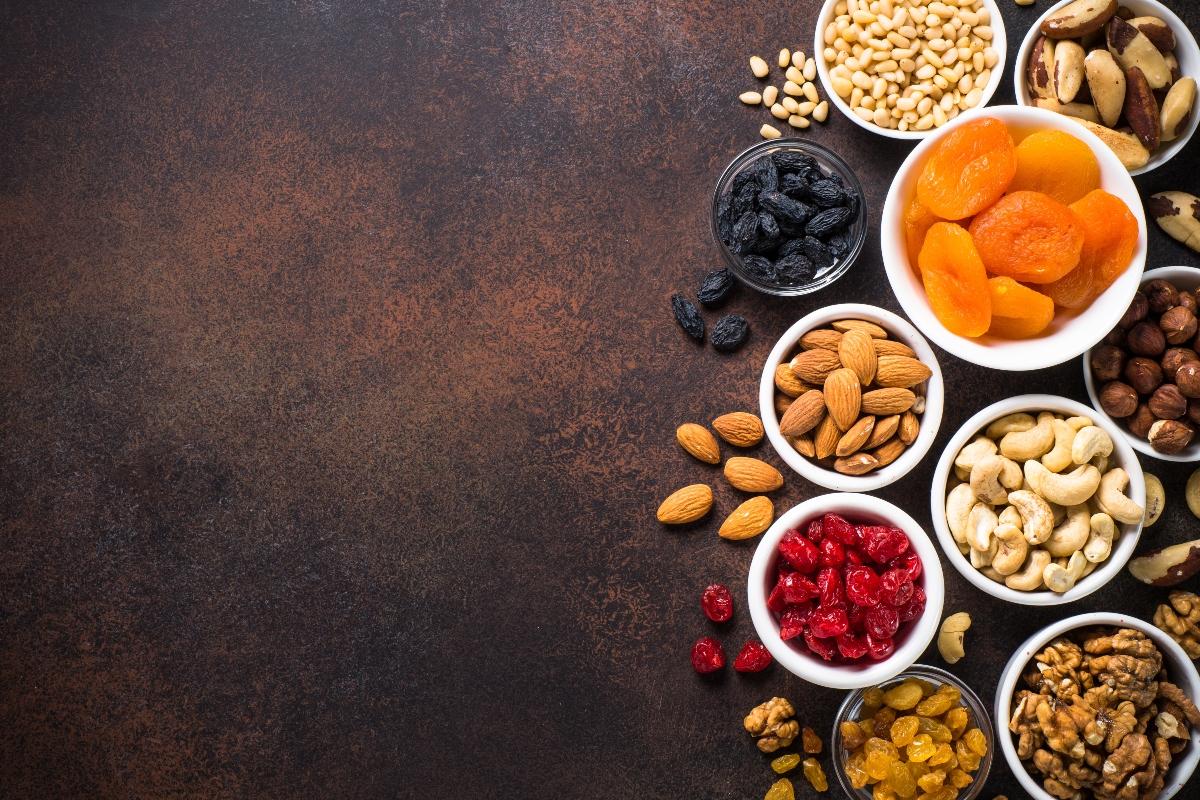 alimenti ricchi di ferro : frutta secca