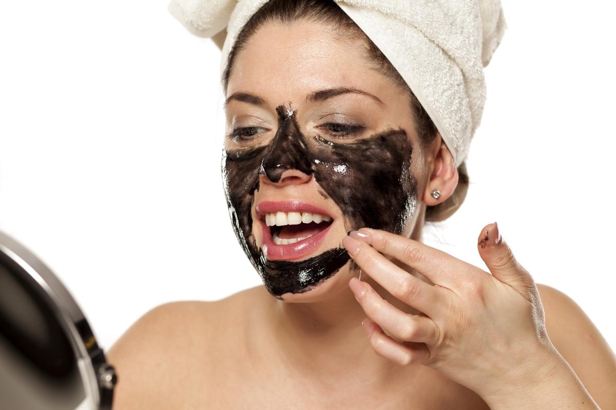 come applicare la black mask