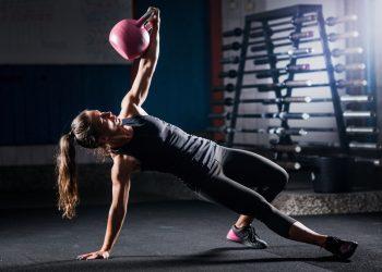 esercizi per le braccia: circuito per bicipiti e tricipiti tonici