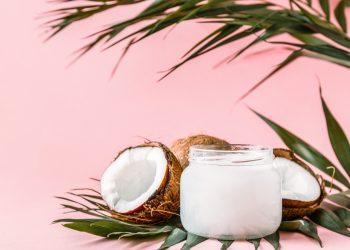 Olio di cocco: cos'è, come usarlo, benefici per la pelle