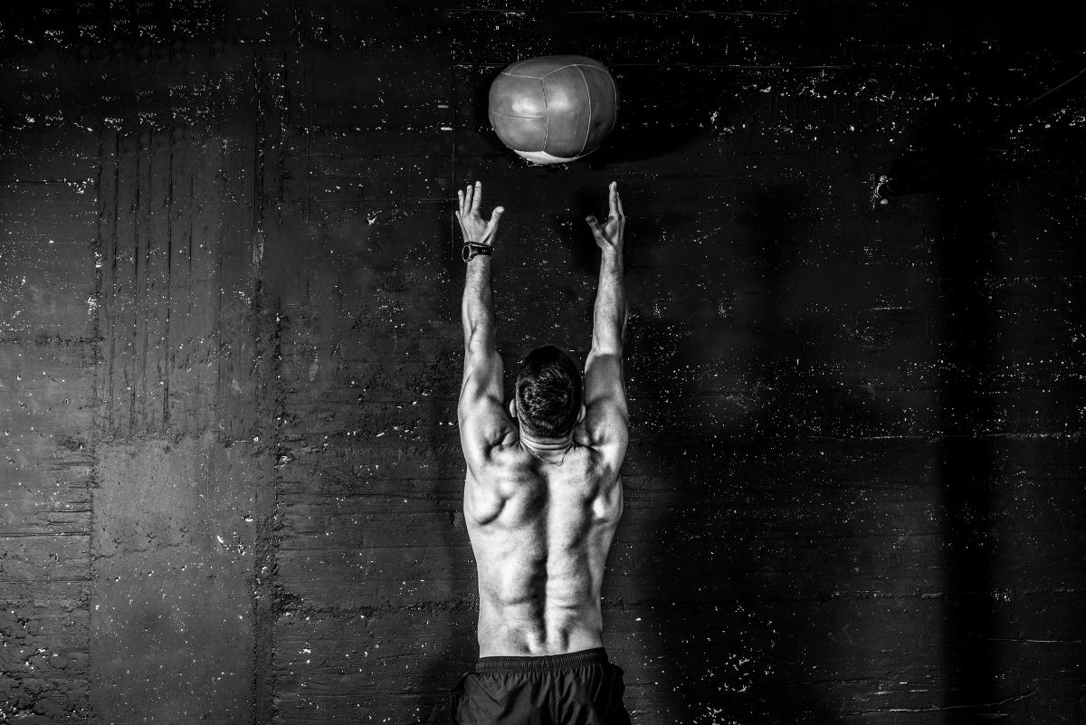 pliometria: wall ball