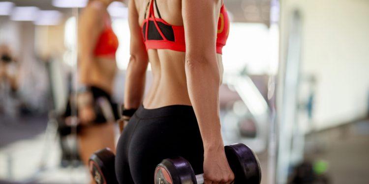 body pump: cos'è, benefici e workout da fare a casa
