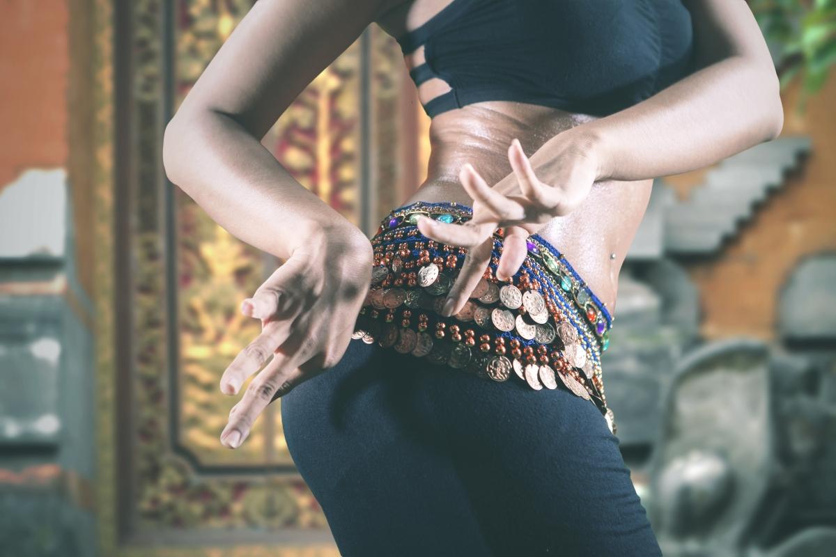 danza del ventre: cos'è, storia . come si svolge la lezione, benefici per la salute