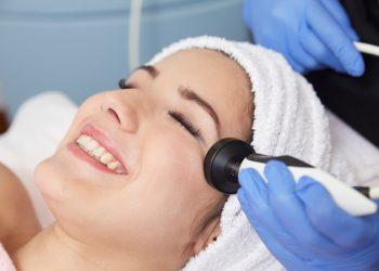 radiofrequenza viso: perché fa bene alla pelle e guida all'acquisto
