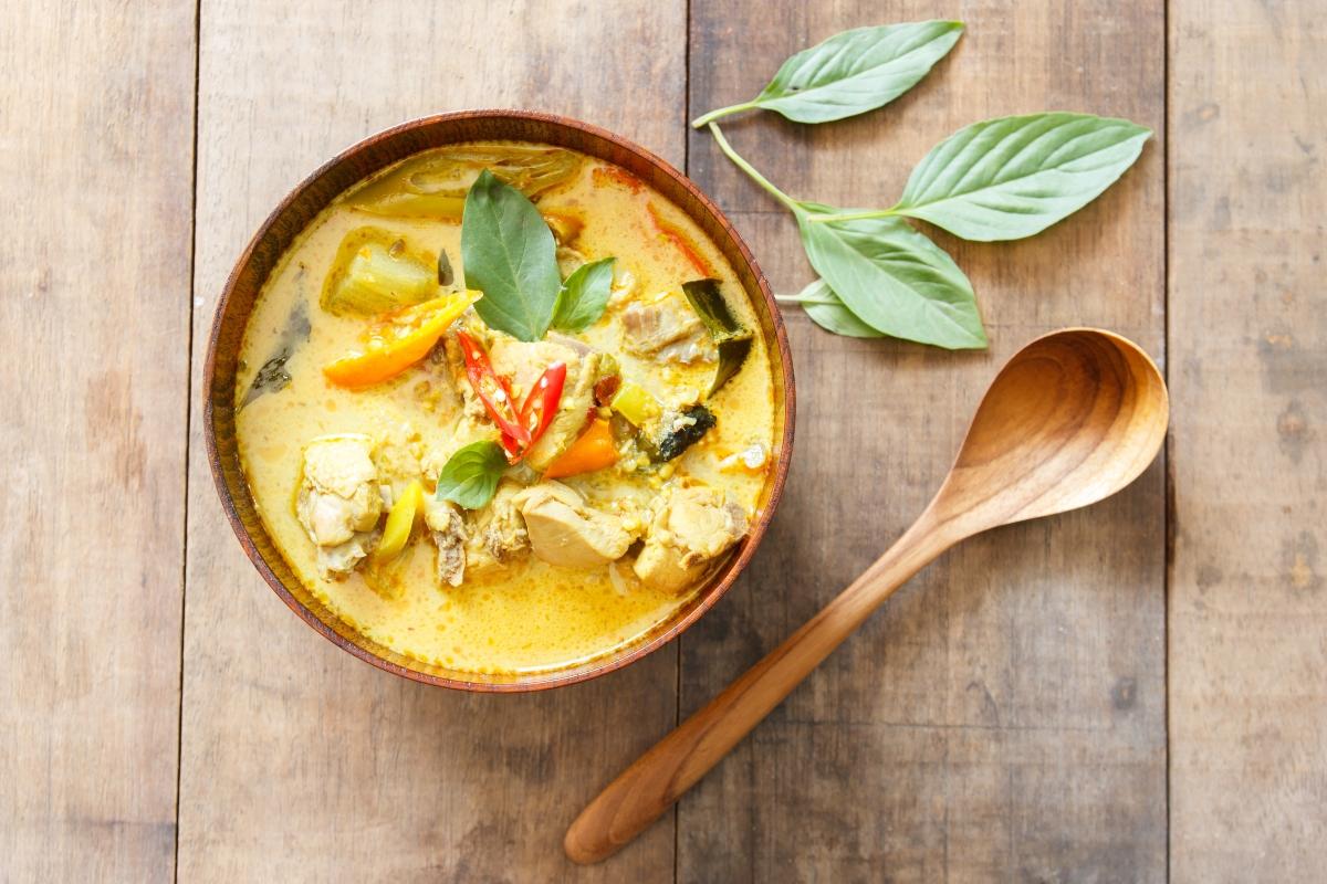 spezie brucia grassi: curry
