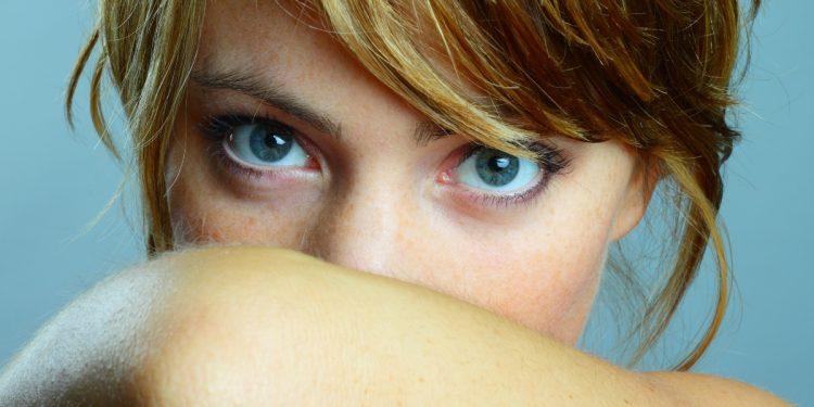 alitosi: cos'è, cause, sintomi e cure