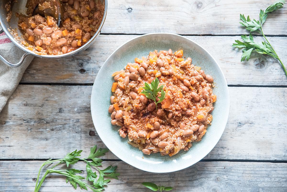 Chili vegetariano con quinoa e fagioli