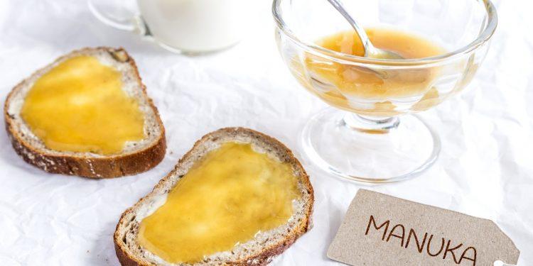 miele di Manuka: cos'è, benefici, perché è diverso, benefici, valori nutrizionali e come sceglierlo