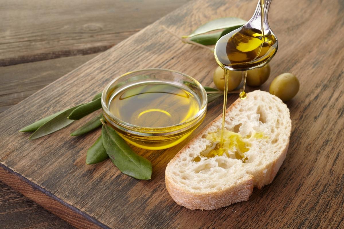 benefici dell'olio extra vergine di oliva: