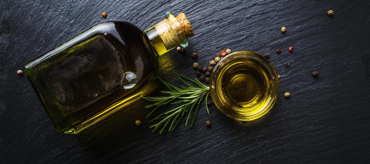 benefici dell'olio extra vergine di oliva: meglio a crudo?