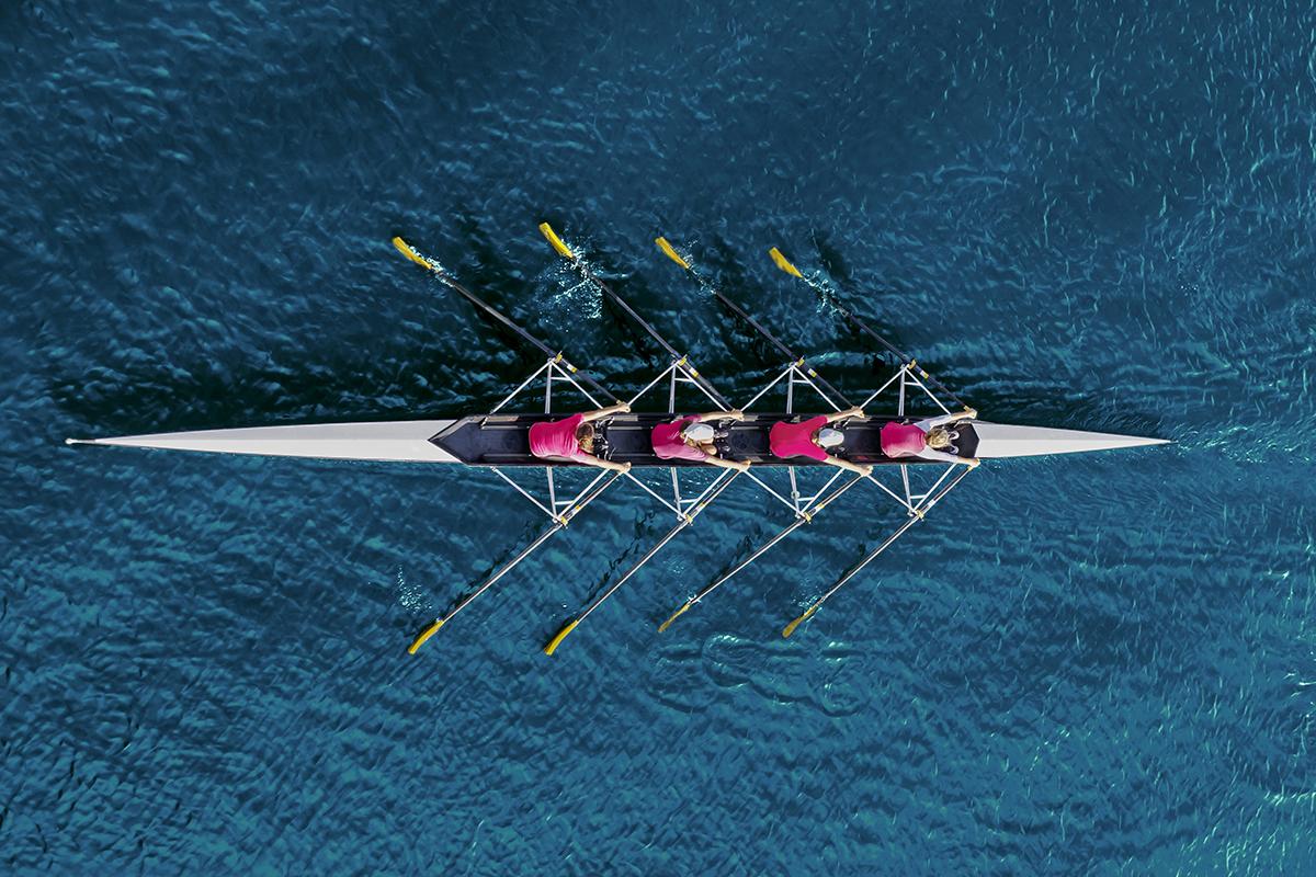 canottaggio: cos'è. tecnica, allenamento, sport olimpico e benefici per mente e corpo