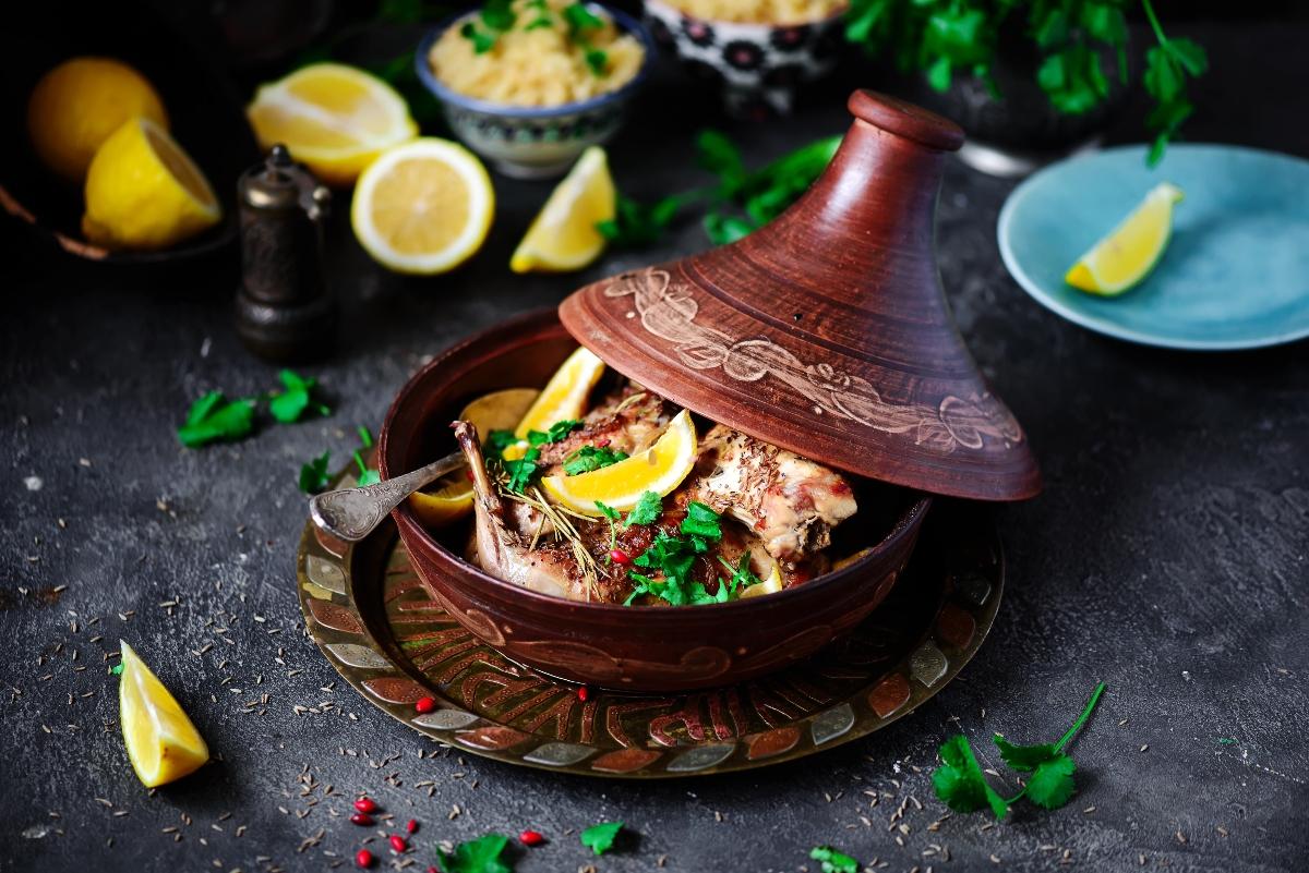 Coniglio al limone: un secondo piatto leggero e gustoso