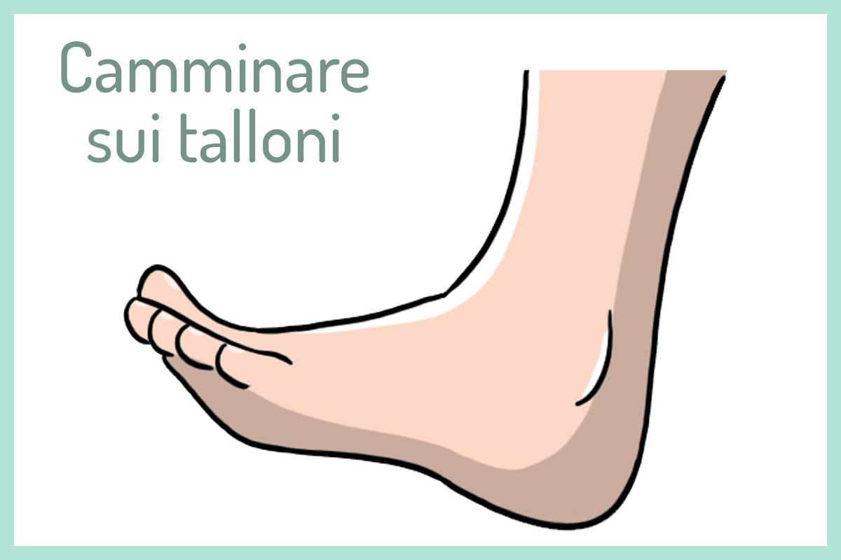 camminare sui talloni per rafforzare piedi e caviglie